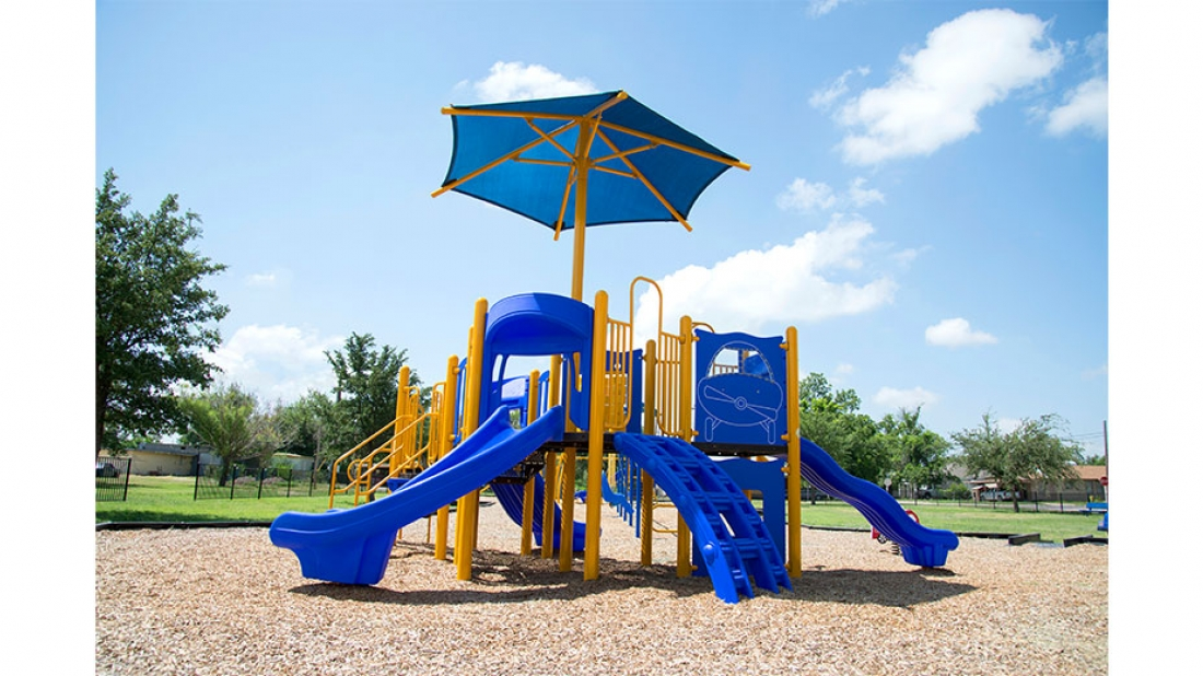 Playground with Shade Umbrella